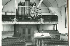 Interieur-Woudse-Dom-voor-de-restauratie-van-1956-1958-gezien-vanuit-het-liturgisch-centrum